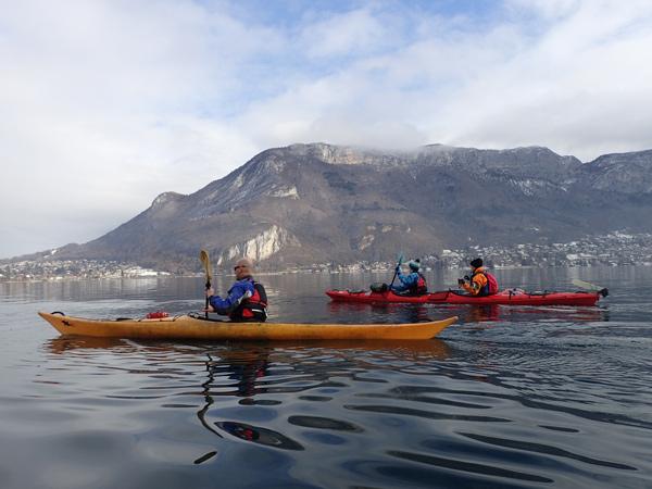 annecy-lac-tour-kayak-ensemble-equipe