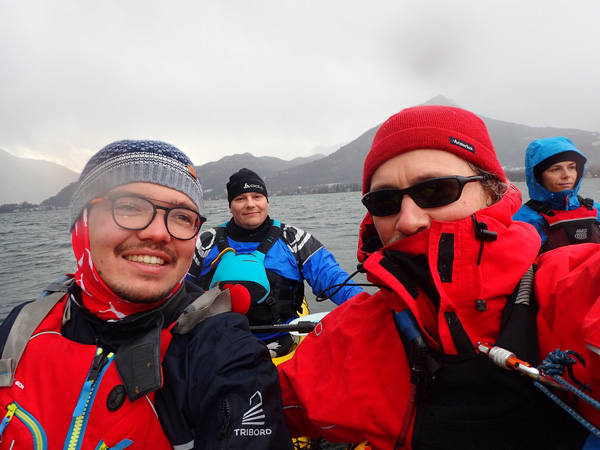 kayak-annecy-entrainement-hiver-froid-aventure-hustive